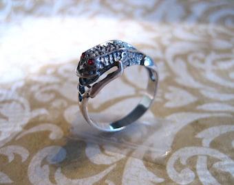 Vintage Sterling Silver FROG Wrap Ring Garnet Eyes