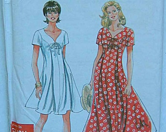 Misses' Lace-Up Pullover Dress in 2 Lengths, Simplicity 9586 Sewing Pattern UNCUT, Sizes 8-18