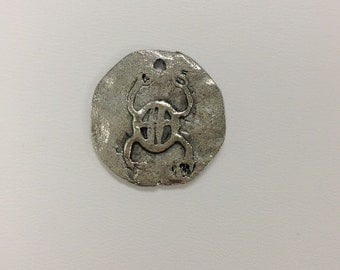 23mm lead free antique silver color hammered pewter charm