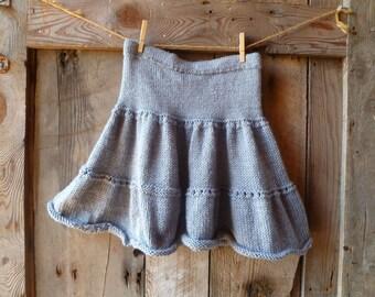 gray hand knit skirt // womens 3 tiered skirt // size xs/s