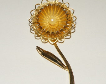Vintage Gold Toned Flower Brooch with Faux Pearl Center