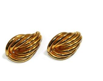 Vintage Xl Gold Color Tear Drop Shape Clip On Earrings