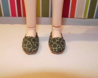 Dark grey gray with flowers slip on flats shoes for Pullip / obitsu