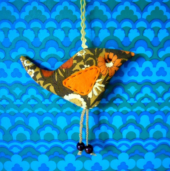 Vintage Fabric Retro bird,  70s Daisy Chain in Orange and Yellow