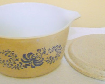 Vintage Pyrex Homestead Casserole Dish With Matching  Speckled Lid-1 Qt #473 - Read Below