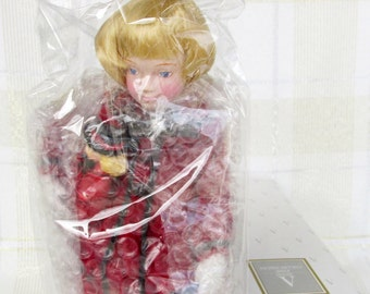 """Avon Childhood Dreams Porcelain Doll Collection """"Favorite Dolly"""" 1993 in Original Box"""