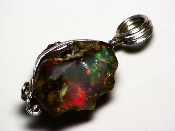Ethiopian Welo Opal (5.3 Ct.) Pendant in Sterling