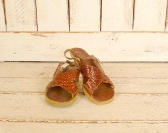Vintage woven brown leather open toe sandals/huarache sandals/kitten heel shoe/6.5-7