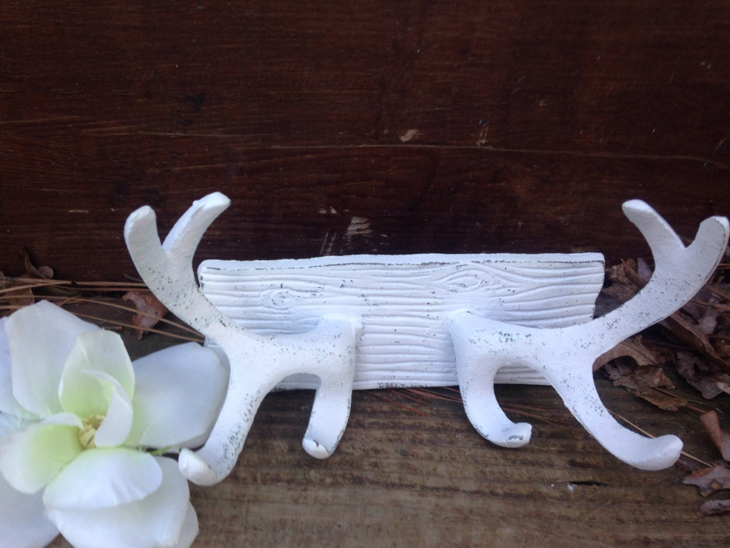 Antler antler wall decor shabby chic antlers hardware for Antlers for decoration
