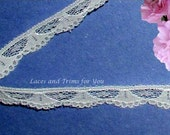 White Lace Trim 15 Yards Fan Scalloped 3/8 inch wide Lot R113 Added Items Ship No Charge
