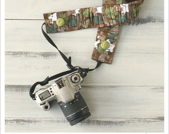 CLOSEOUT SALE - ruched camera strap cover - camo girl