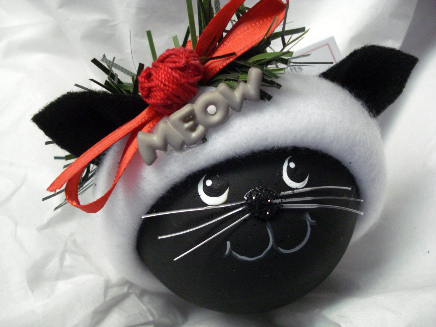 Black cat christmas ornament hand painted by for Cat christmas ornaments craft