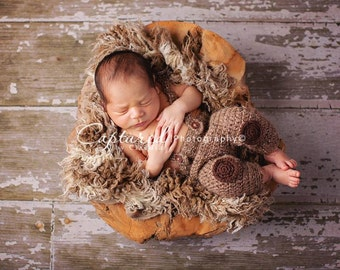 Leighton Heritage - Soft, Cozy, Cuddly Faux Fur Nest - Perfect Newborn Photography Prop - Plush Long Pile