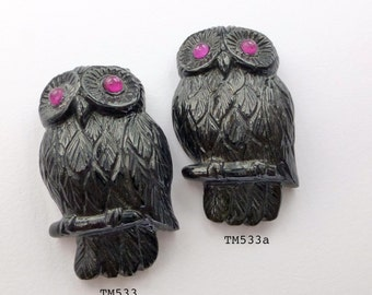 ToURMALINE. OWL. Hand Carved. Natural. Detailed. Super High Quality Carving. LarGE. Ruby eYes. Black. 1 pc. 45.79 cts. 20x32x8 mm (Tm533)