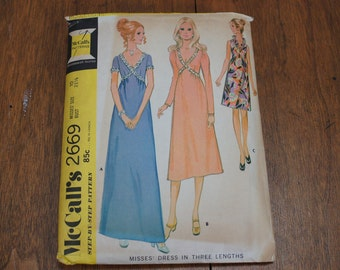 Sewing Pattern Vintage McCall's 2669 Formal Dress Size 10, bridesmaid dress