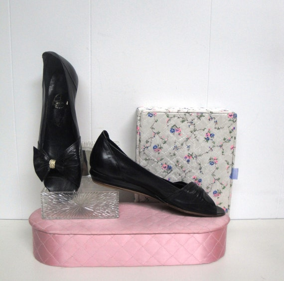 90's S.R.O. Black Leather Flats with Gold Detail Made in Italy size 8M