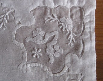 11 White Dinner Napkins w Inset, Applique and Embroidery