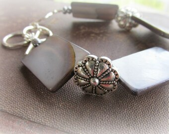 Gray Shell Bracelet - Turbulence