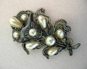 Vintage LITTLE NEMO Faux Pearl Brooch -  Art Nouveau Lily Flower Brooch - Unsigned L/N