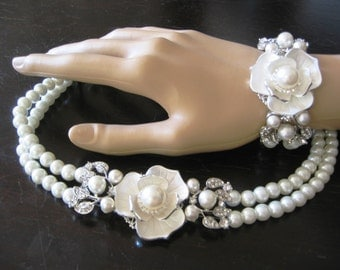 Bridal Jewelry SET  ( 2 items ) Ivory Swarovski Pearls Necklace and Bracelet  Weddings necklace Bridal Necklace Vintage Style Bridal