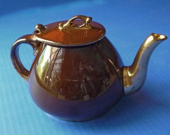 1940's Brown English Teapot with lid hook and Gold Glaze