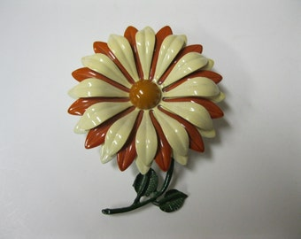 Daisy Enamel Layered Petal Floral Pin Butterscotch & Cream Estate Jewelry Brooch Pin Vtg Like New Wardrobe Jewelry Accessory Collectible