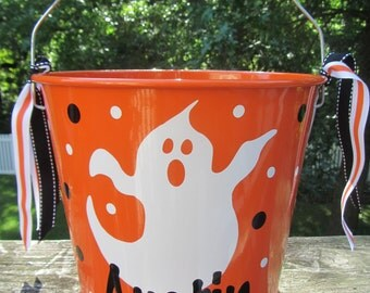 Halloween bucket: Personalized Halloween bucket pail - ghost design - trick or treat