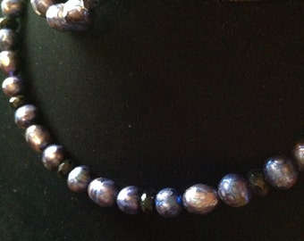 Faceted pearl necklace and bracelet set