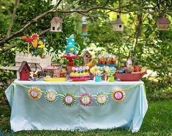 Flirty Bird Birthday, Flirty Bird Birthday Invitation, Flirty Bird Printables, Flirty Bird Birthday Decorations, Lauren Haddox Designs