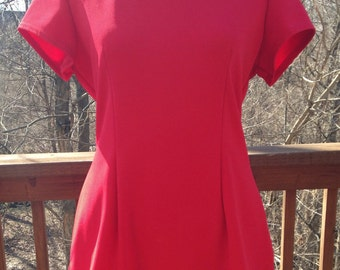 1970s red skirt and top. Tomato red mini skirt. Two piece outfit. Miniskirt suit. Vintage size 11/12.