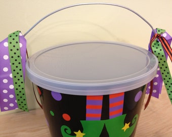 Plastic lid for your Halloween bucket, lid ONLY, seals, fits any of my 5 quart buckets, Halloween, Easter, Christmas