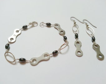 Bike Chain and Hematite Ladies Bracelet and Earrings Set - Hand wired Silver plated - LBSET01