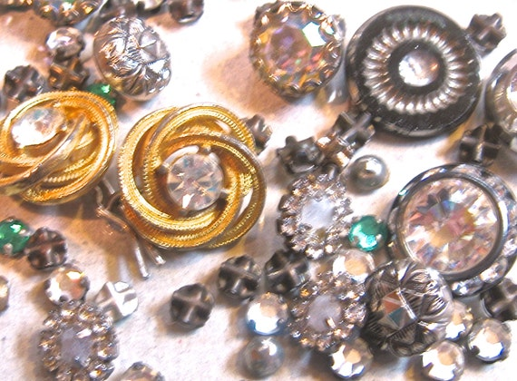 20% Off 100 PLUS Piece Vintage RHINESTONE Buttons