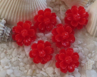 Resin Flower Cabochon with center bud - 14mm -  12 pcs - Red