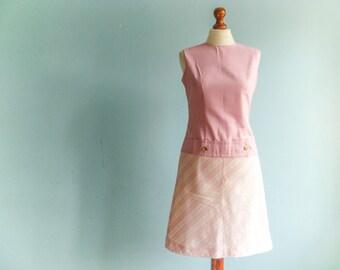 Vintage pastel pink dress / pink white checked checkered / sleeveless / drop waist / low waist / short mini / medium