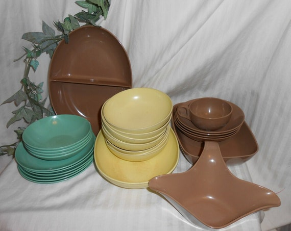 Vintage Melmac Melamine chocolate brown yellow mint green Gaiety Brookpark Arrowhead serving pieces 27 piece melmac dinnerware
