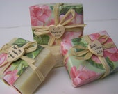 Summer wedding favors soaps , 30 handmade soaps, favor soaps, rustic wedding,  wooden heart.