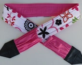"""NEW """"Hot Pink Fun Flowers """" camera strap, reversible, 2 expandable pockets with stretchable elastic"""