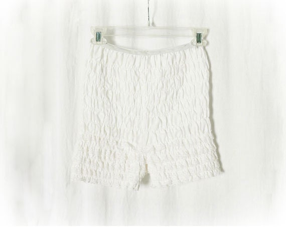 Vintage 60s White Lace Bloomers Shorts Frilly Underwear Panties