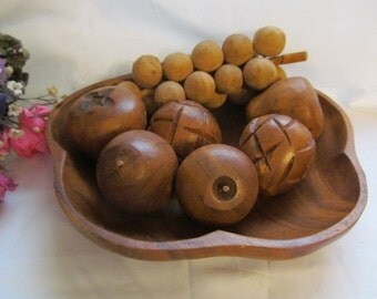 Wood  Bowl and Fruit,  Wooden Fruit 8 piece Set, Vintage Fruit Bowl, Wooden Fruit, Wood Fruit Bowl Set
