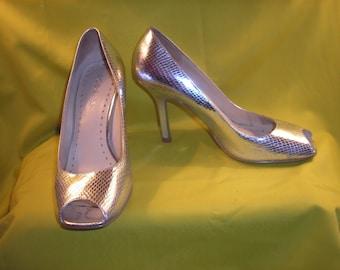 Vintage Heels BCBGirls Silver Metallic Open Toe Heels Sexy Shoes Designer Heels Retro Shoes Priscilla's Pink Closet Vintage Accessories