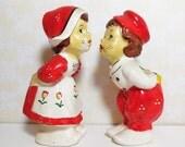 Dutch Boy and Girl Kissing Couple Salt and Pepper Shaker Set - Vintage 1940's