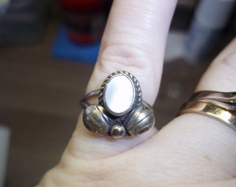 Vintage Silver and Mother or Pearl Handcrafted Ladies Ring