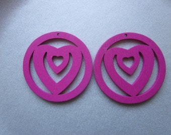 Fuschia Wood Heart Pendants 48mm 2 Pendants