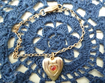 Vintage Gold Tone 1950s to 1960s Red Stone Bracelet Heart Sweetheart Retro