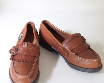Vintage Size 6.5 Women's Brown Leather Buckle Front Loafers