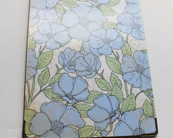 Small Decorative Clipboard--Blue Flower, Blue and White Lattice