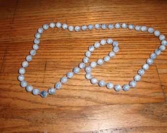 vintage necklace blue swirl lucite beads