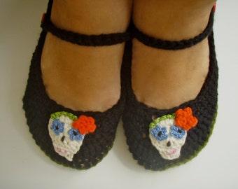 Crochet Sugar Skull Slippers Crochet PATTERN #205 PDF Instant Download Women's sizes 6-10