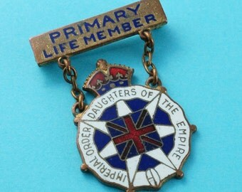 IODE brooch . Imperial Order Daughters of the Empire pin. primary life member. enamel.  N0.001710